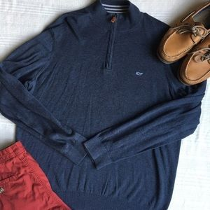 Vineyard vines zipped up
